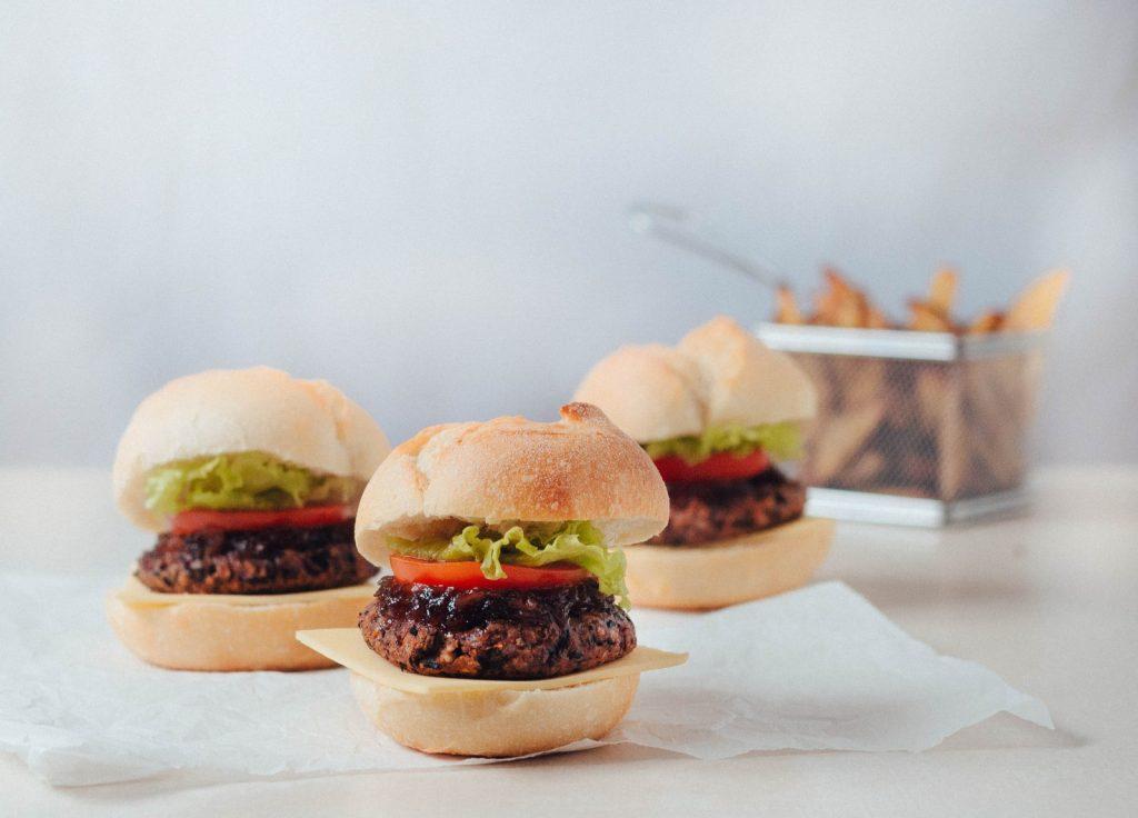3 hambúrgueres vegan - feijão preto