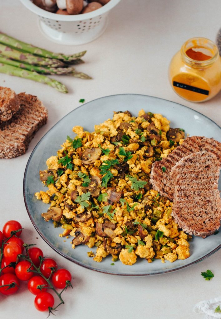 Tofu mexido - com cogumelos e espargos #diaadiaveg